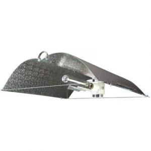 Le Hellion DE d'Adjust-A-Wings© a été fabriqué spécialement pour produire une distribution de lumière plus froide et uniforme que tout autre réflecteur DE. Chaque Hellion est muni du Super Spreader© spécifiquement conçu pour réduire la distance entre la l