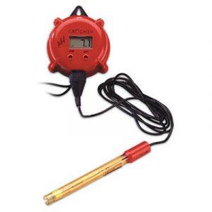 HI9814 est un analyseur portatif, mince, léger et étanche. Il mesure le pH, la conductivité (ÉC), les solides dissous totaux (SDT) et la température à l'aide d'une seule sonde amplifiée. L'opération se fait à l'aide de deux boutons, un pour la mise en mar