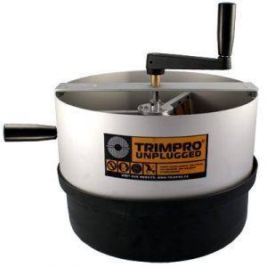 La nouvelle TRIMPRO ROTOR a été conçue et développée à la demande des cultivateurs qui recherchent un autre produit de qualité TRIMPRO, à la fois efficace et non-dommageable pour les plantes. Cette machine fait circuler les fleurs sur la grille antiadhési